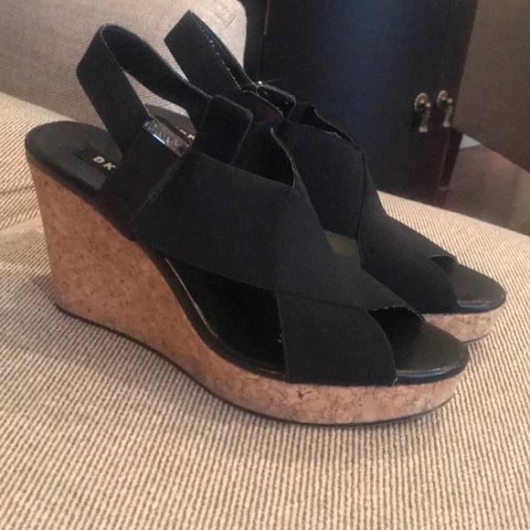 Womens Dkny Black Wedge Sandals Sz 85